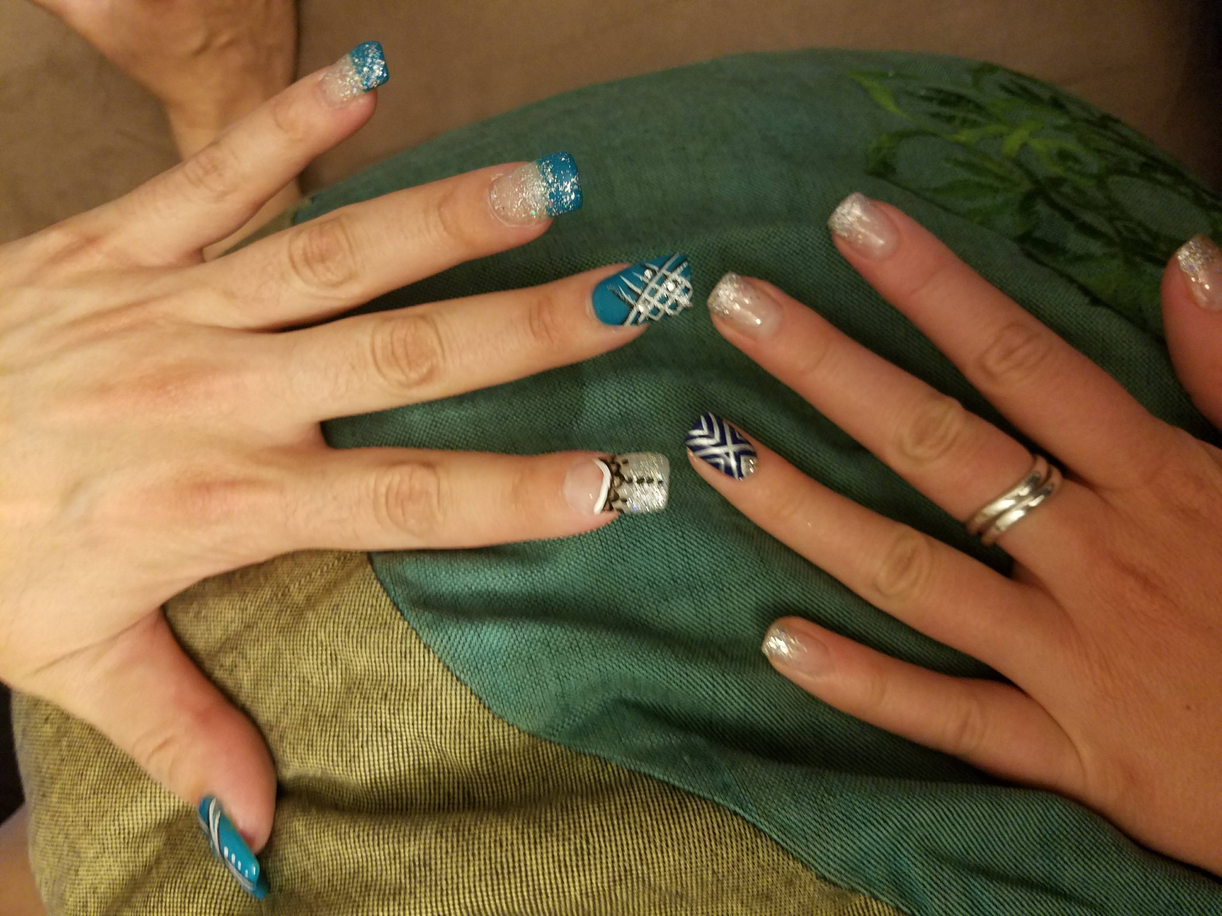 Nail Art with Bling Solar Nails Westport Best nails in KC